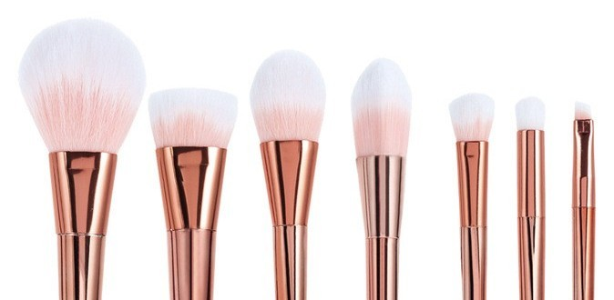 Alex T Luxury Professional 18pcs Rose Gold Makeup Brushes