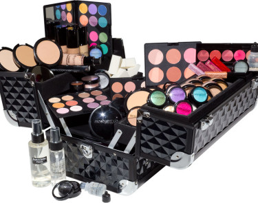 Learn how to Build a Customised Professional Makeup Kit without Trial an Error